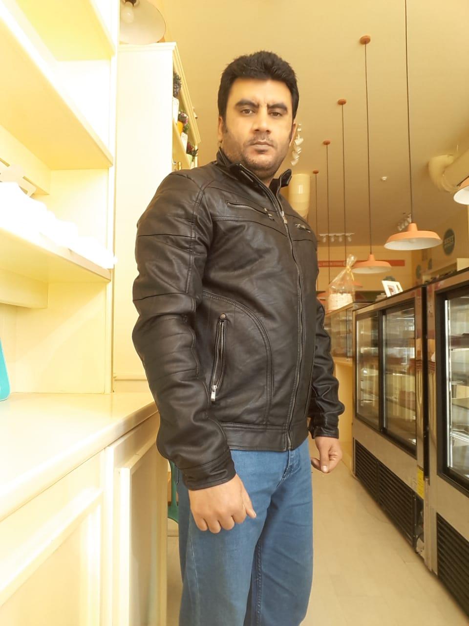 Profile picture of Akramakram